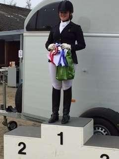Stephanie S. Rasmussen - vinder af klassen for stævneryttere på hest
